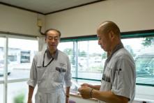 朝礼で社長は皆川さんから段取りを支持される
