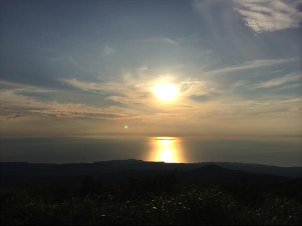 鳥海山からの日本海